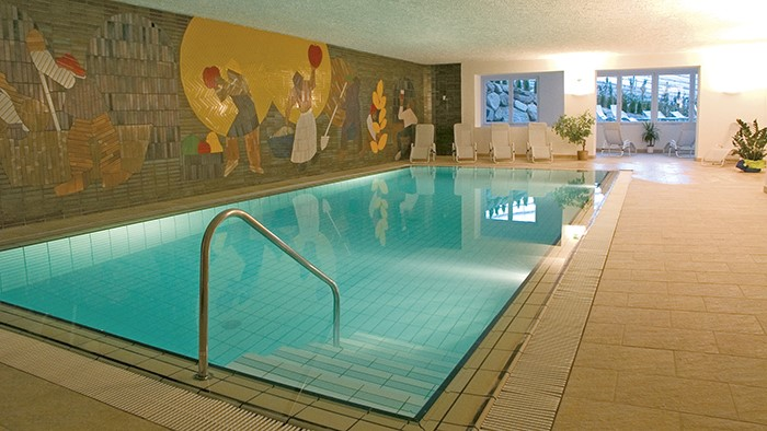 Hotel Lagundo Con Piscina Coperta