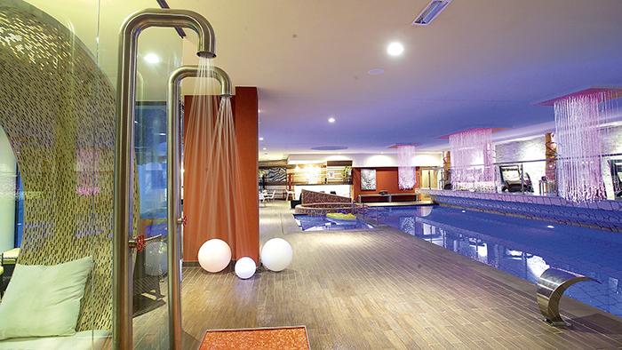 Viaggi a madonna di campiglio trentino alto adige for Design hotel alto adige