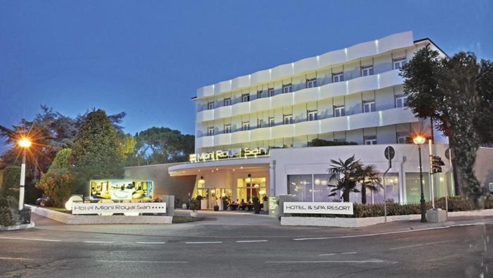 Viaggi a montegrotto terme veneto hotel mioni royal san eurospin viaggi - Hotel mioni royal san piscine ...