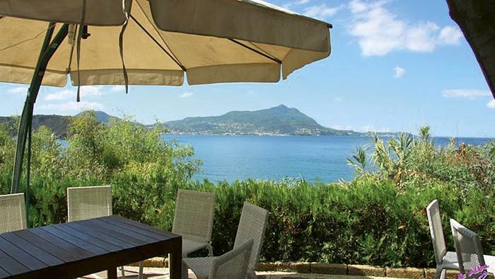 Viaggi a Isola di Procida, Campania - HOTEL SOLCALANTE - Eurospin Viaggi